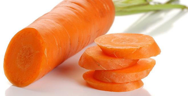 Cà rốt hấp là thức ăn rất tốt dành cho chim chào mào thay lông